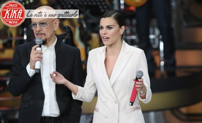 Enrico Ruggeri, Bianca Guaccero - Napoli - 15-02-2020 - Una storia da cantare, Bianca Guaccero con Bugo ed Ermal Meta