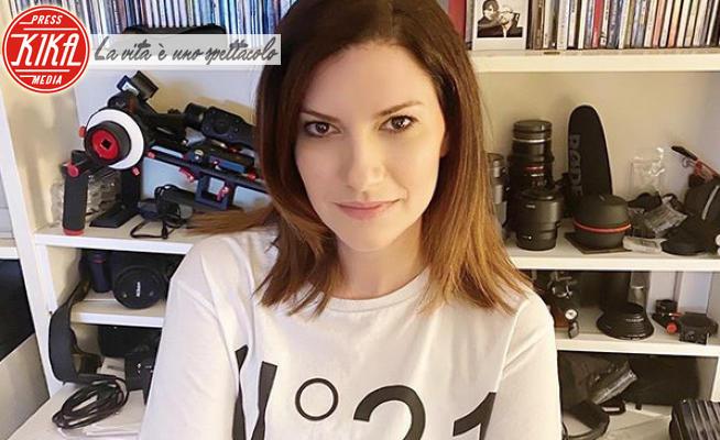 Laura Pausini - 10-03-2020 - Coronavirus, le star rilanciano l'hashtag #iorestoacasa