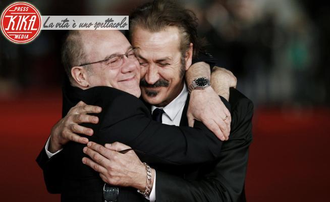Marco Giallini, Carlo Verdone - Roma - 10-11-2012 - Un abbraccio a tutti! Quanto pesa la quarantena