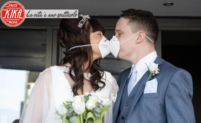 Emma Jones, Paul Jones - 23-03-2020 - Unirsi in matrimonio ai tempi del coronavirus