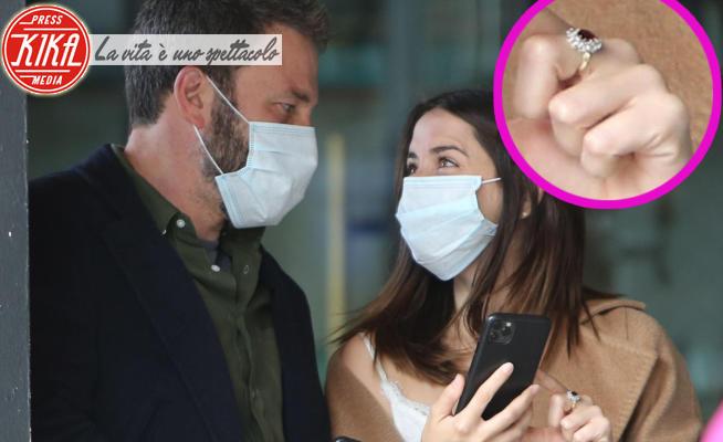 Ana de Armas, Ben Affleck - Santa Monica - 18-04-2020 - Ben Affleck e Ana de Armas pronti al grande passo: ecco l'anello