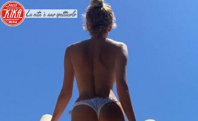 Alessia Marcuzzi - 25-06-2020 - 47 anni a chi? La star italiana mostra un lato B da urlo