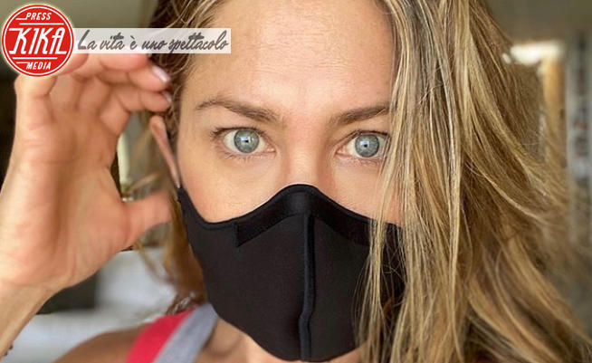Jennifer Aniston - 01-07-2020 - Jennifer Aniston incoraggia l'utilizzo della mascherina