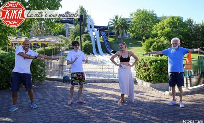 Fabio Rovazzi, Michelle Hunziker - 05-07-2020 - Michelle Hunziker con l'amico Rovazzi scivola in Aquafan!