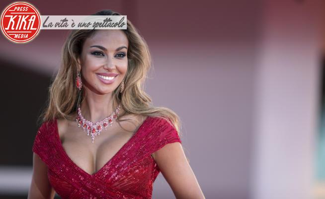 Madalina Ghenea - Venezia - 03-09-2020 - Venezia 77: le star in rosso sul tappeto rosso