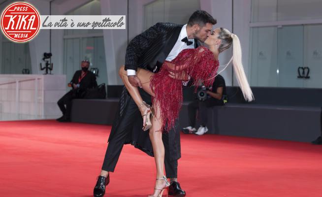Luigi Mario Favoloso, Elena Morali - Venice - 10-09-2020 - Elena Morali - Luigi Favoloso: lo show sul red carpet