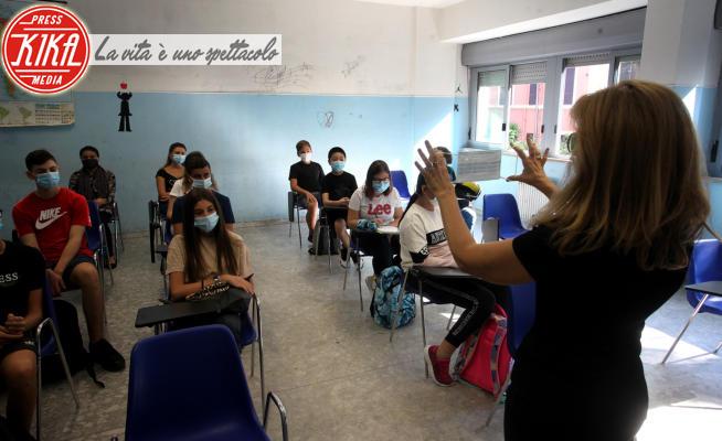 Scuola coronavirus - Roma - 14-09-2020 - Si torna a scuola: ecco le immagini del rientro