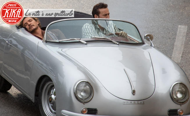 Pedro Pascal, Nicolas Cage - Dubrovnik - 07-10-2020 - Netflix: Nicolas Cage è finito? La sua storia diventa un film