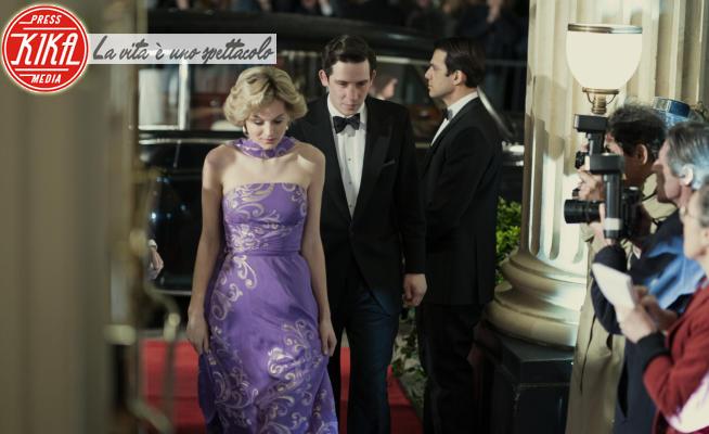 Emma Corrin - Los Angeles - 02-03-2020 - The Crown 4, furia Windsor contro Netflix, Meghan ed Harry