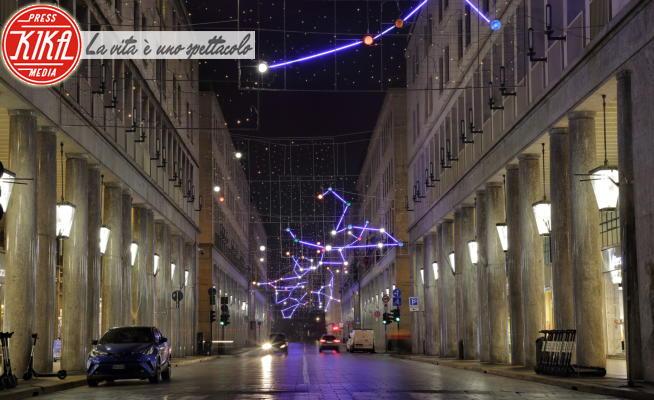 Torino - Torino - 06-11-2020 - Torino, le Luci d'Artista illuminano il centro città deserto