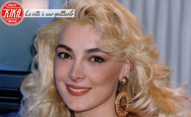 Alessandra Canale - 04-12-2020 - Alessandra Canale: ricordate la Signorina Buonasera? Eccola oggi