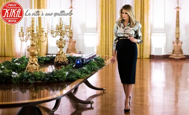 Melania Trump - Washington - 29-11-2020 - Melania Trump tutta d'oro per l'ultimo Natale alla Casa Bianca