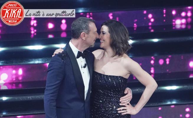 Giovanna Civitillo, Amadeus - Sanremo - 06-03-2021 - Sanremo 2021, la finale: per Amadeus e Giovanna è... al bacio!