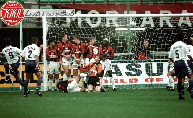 Gabriel Batistuta - Milano - 26-09-1998 - Superlega, le sfide di Serie A che potremmo non vedere mai più