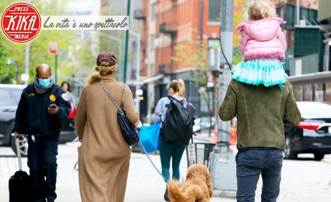 Betty Reynolds, Blake Lively, Ryan Reynolds - New York - 27-04-2021 - La famiglia vip più bella al mondo? La loro