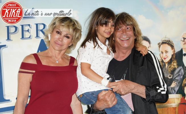 Maria Turchi, Enzo Paolo Turchi, Carmen Russo - Roma - 01-06-2021 - Tutti per Uma, alla première Carmen Russo e Gabriella Carlucci