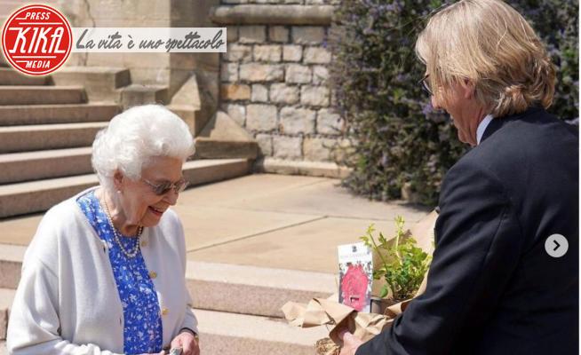 Regina Elisabetta II - 10-06-2021 - Filippo d'Edimburgo, una rosa per celebrare i suoi cento anni