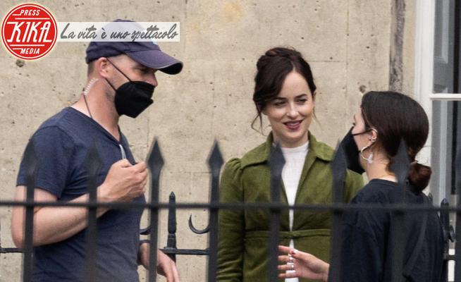 Dakota Johnson - Bath - 24-06-2021 - Dakota Johnson sul set di Persuasion, la nuova serie Netflix