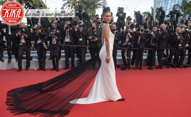 Bella Hadid - Cannes - 06-07-2021 - Cannes 2021, l'inaugurazione è un affare da dive