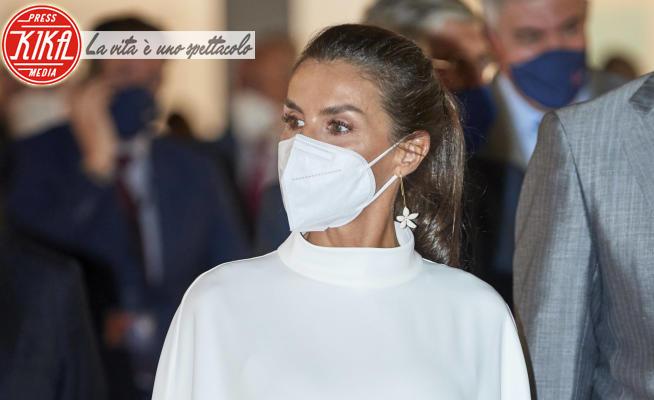 Letizia Ortiz - Madrid - 08-07-2021 - Letizia di Spagna, un incanto in total white minimalista
