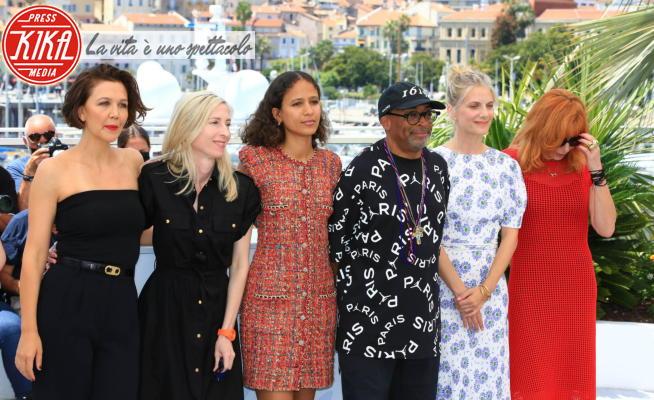 Jessica Hausner, Mylene Farmer, Melanie Laurent, Spike Lee, Maggie Gyllenhaal - 06-07-2021 - Cannes 2021: Spike Lee in giuria beato tra le donne... o quasi!