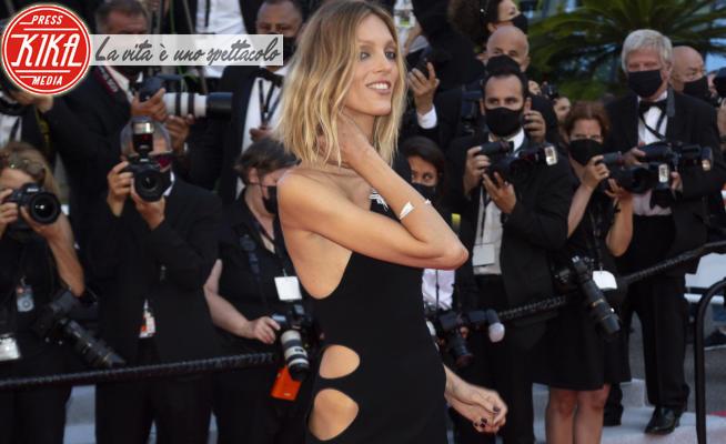2021 Cannes Film Festival, Anja Rubik - 09-07-2021 - Cannes 2021: Anja Rubik, la più sexy sul red carpet di Benedetta