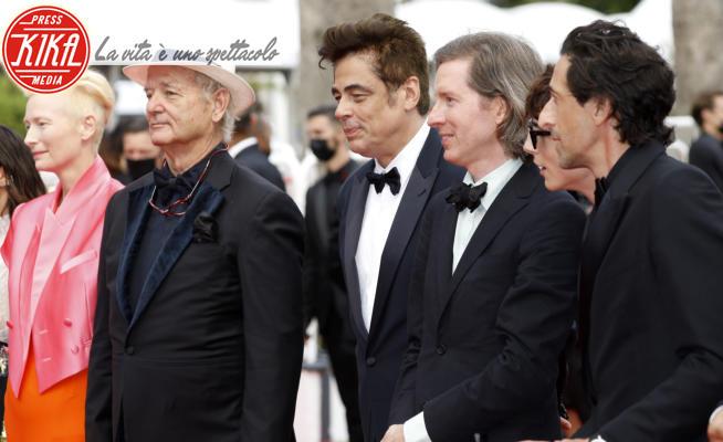 Wes Anderson, Benicio Del Toro, Bill Murray, Tilda Swinton, Adrien Brody - Cannes - 13-07-2021 - Cannes 2021, Wes Anderson e i suoi fedelissimi