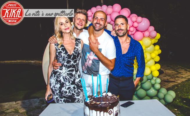 16-07-2021 - Sfilata di vip al compleanno di Angelo Rifino