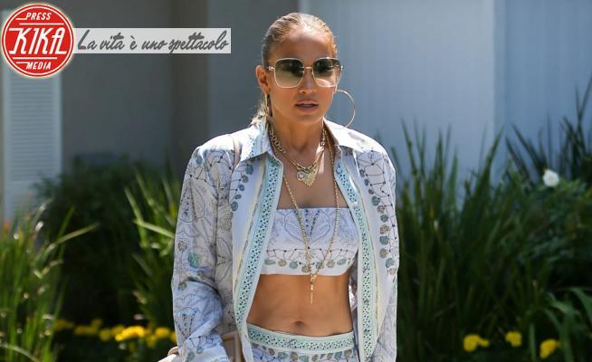 Jennifer Lopez - Los Angeles - 15-08-2021 - Estate 2021: J Lo, Heidi e la regina Rania scelgono il b&w