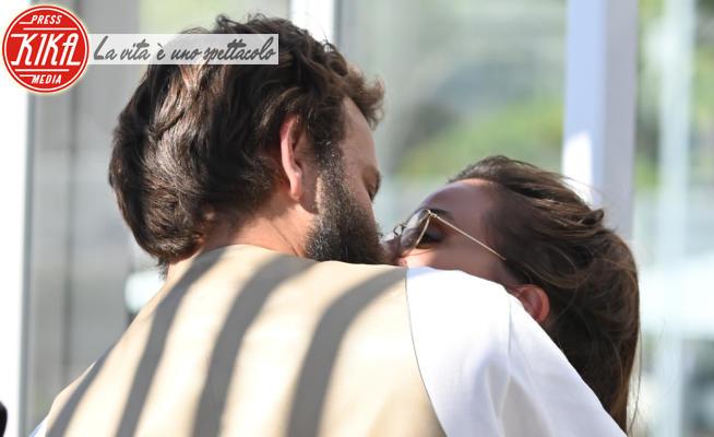 Irene Forti, Alessandro Borghi - Venezia - 02-09-2021 - Alessandro Borghi e Irene Forti, amore al bacio a Venezia 78