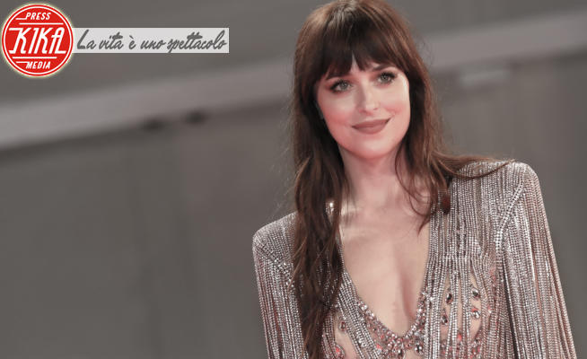 Dakota Johnson - Lido di Venezia - 04-09-2021 - Da Venezia a New York: i red carpet (nude) sono tornati