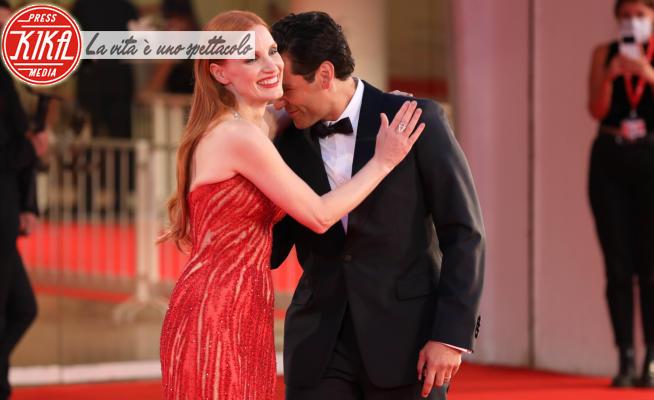 Jessica Chastain, Oscar Isaac - Venezia - 05-09-2021 - Venezia 78, Chastain-Isaac oltre il marriage, che confidenza!