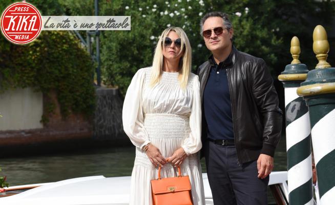 Francesca Barra, Claudio Santamaria - Venezia - 07-09-2021 - Venezia 78,Claudio Santamaria e Francesca Barra in dolce attesa!