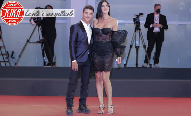 Barbara Francesca Ovieni, Moreno Donadoni - Venezia - 09-09-2021 - Venezia 78, Moreno e Francesca Ovieni, debutto sul red carpet
