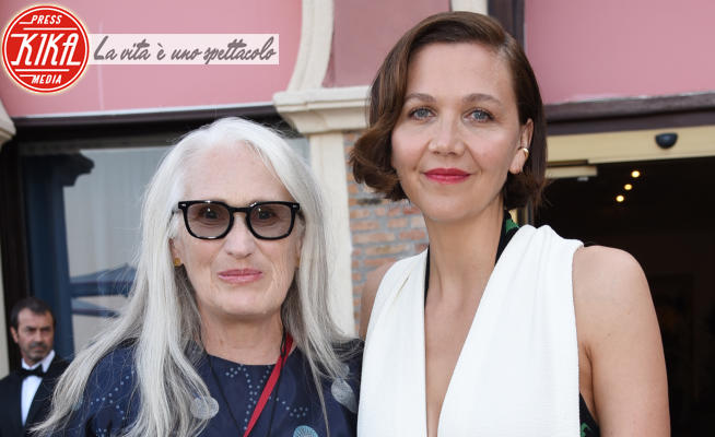 Jane Campion, Maggie Gyllenhaal - Venezia - 11-09-2021 - Venezia 78: Campion e Gyllenhaal, brindisi tra premiate!