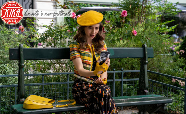 Lily Collins - Los Angeles - 30-07-2021 - Emily in Paris sta per tornare: le immagini in anteprima