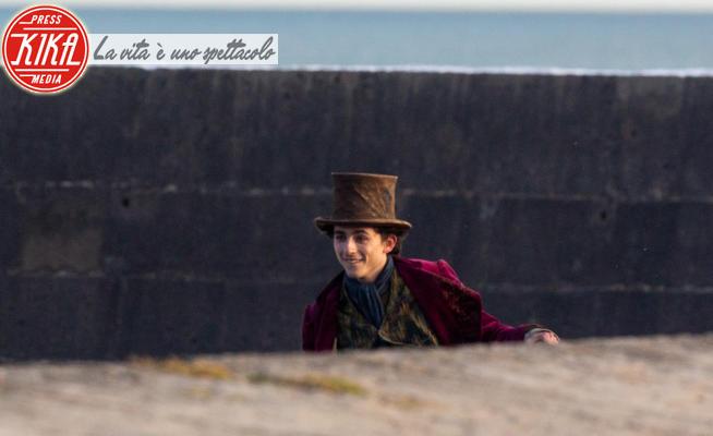 Timothée Chalamet - Lyme Regis - 13-10-2021 - Timothée Chalamet sul set, al via le riprese di Willy Wonka