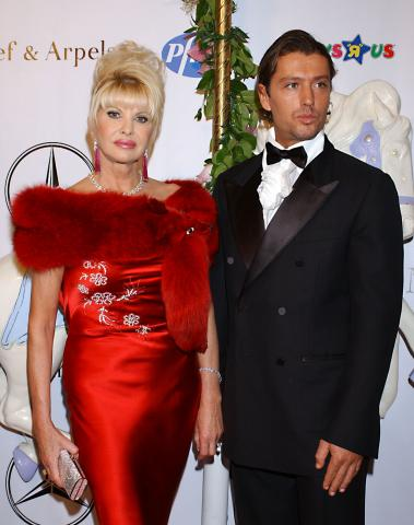 Ivana Trump - Beverly Hills - 23-10-2004 - Ivana Trump e Rossano Rubicondi si sono separati