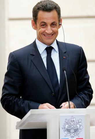 Nicolas Sarkozy - Parigi - 25-07-2008 - Nicolas Sarkozy premia Alessandra Martines