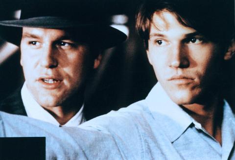"""john costelloe, Loren Dean - 28-02-2002 - Morto suicida John Costelloe, un attore dei """"Soprano"""""""