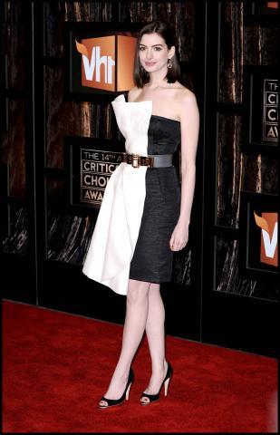 Anne Hathaway - Santa Monica - 08-01-2009 - Anne Hathaway, una diva dal fascino… Interstellare!