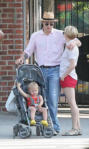 Matilda Williams, Michelle Williams, Heath Ledger - New York - 23-01-2008 - Spetta a Matilda Ledger il Golden Globe di suo padre Heath
