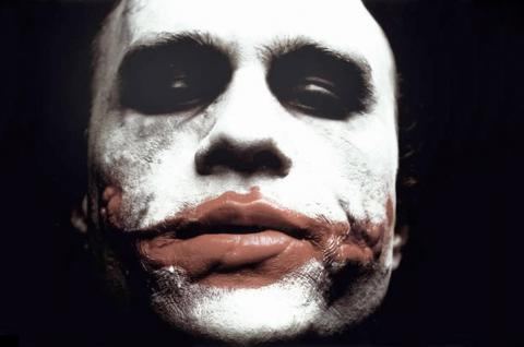 "Heath Ledger  Joker - 22-01-2009 - I fan di Heath Ledger: ""Dopo il suo, mai piu' Joker in Batman"""