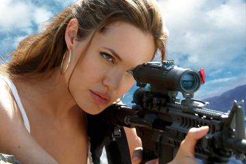 Angelia Jolie - Mr. and Mrs. Smith in arrivo in tv