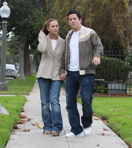 Ross McCall, Jennifer Love Hewitt - Los Angeles - 08-12-2008 - Cioccolato e Alanis Morissette, Jennifer Love Hewitt cura cosi' le sue pene d'amore