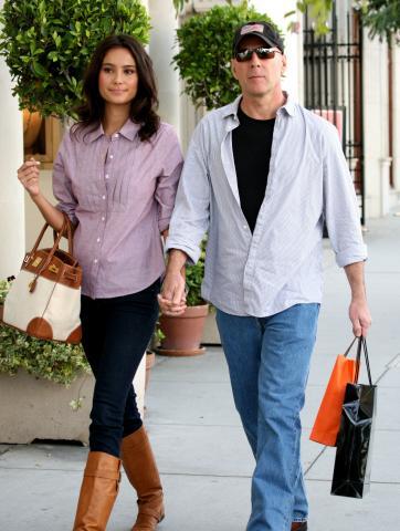 Emma Heming, Bruce Willis - Beverly Hills - 01-03-2009 - Gli eroi di film d'azione hanno il cuore tenero: Bruce Wilis si sposa, Harris Ford si fidanza