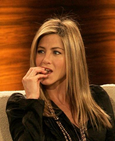 """Jennifer Aniston - Duesseldorf - 28-02-2009 - Il cast di """"Friends"""" è come una famiglia per Jennifer Aniston"""