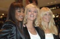 Claudia Schiffer, Eva Herzigova, Naomi Campbell - Milano - 25-09-2009 - Claudia Schiffer dice addio alle passerelle