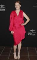 Julianne Moore - Santa Barbara - 12-02-2010 - Julianne Moore, estro e fantasia sul red carpet