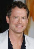 Greg Kinnear - Hollywood - La serie Kennedys, bocciata da History Channel, ha trovato un canale